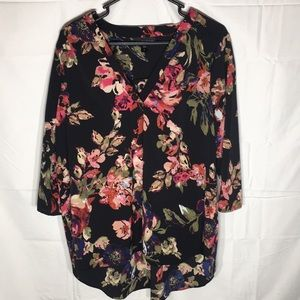 Attention floral blouse, v neck, very cute!!